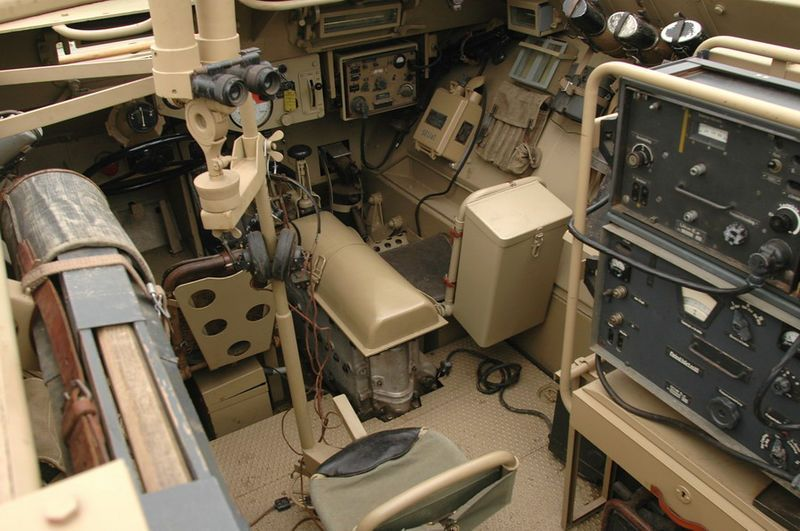 a restored sdkfz 250 halftrack interior detail photo german halftrack variants of ww2. Black Bedroom Furniture Sets. Home Design Ideas