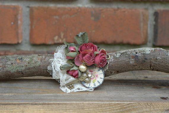 Vintage Bridal Wedding Fascinator/ Beach Wedding Fascinator/ Bridal Flower Hair Clip/ Shell Bridal Accessories/ Victorian Inspired Hair Clip...