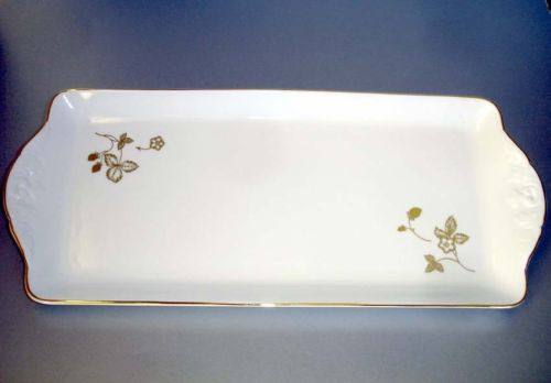 """Wedgwood Wild Strawberry Gold Edged Sandwich Tray/Platter, 14½"""" x 6¼"""". $79.90 at stop2shop18 on ebay, 5/14/16"""