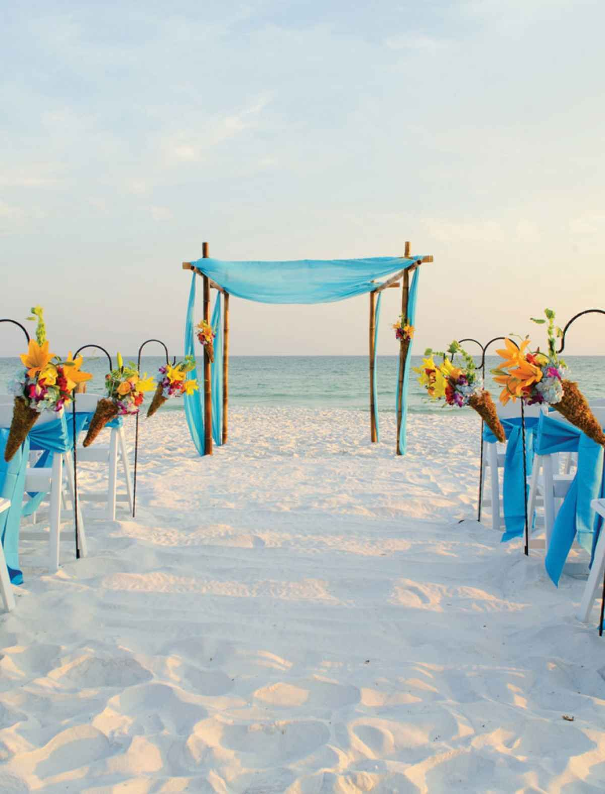 Top Florida Wedding Venues For Destination Weddings Best Places To Get Married In Tops L Beach Racquet Resort