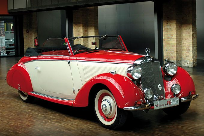 bonhams auktion im mercedes benz museum autos f r 12 mio. Black Bedroom Furniture Sets. Home Design Ideas