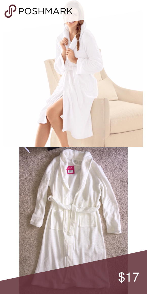 Ulta White Robe Soft white robe. Longer length robe. New with tag. Ulta  brand. Size S M Ulta Intimates   Sleepwear Robes 1caf7ddca