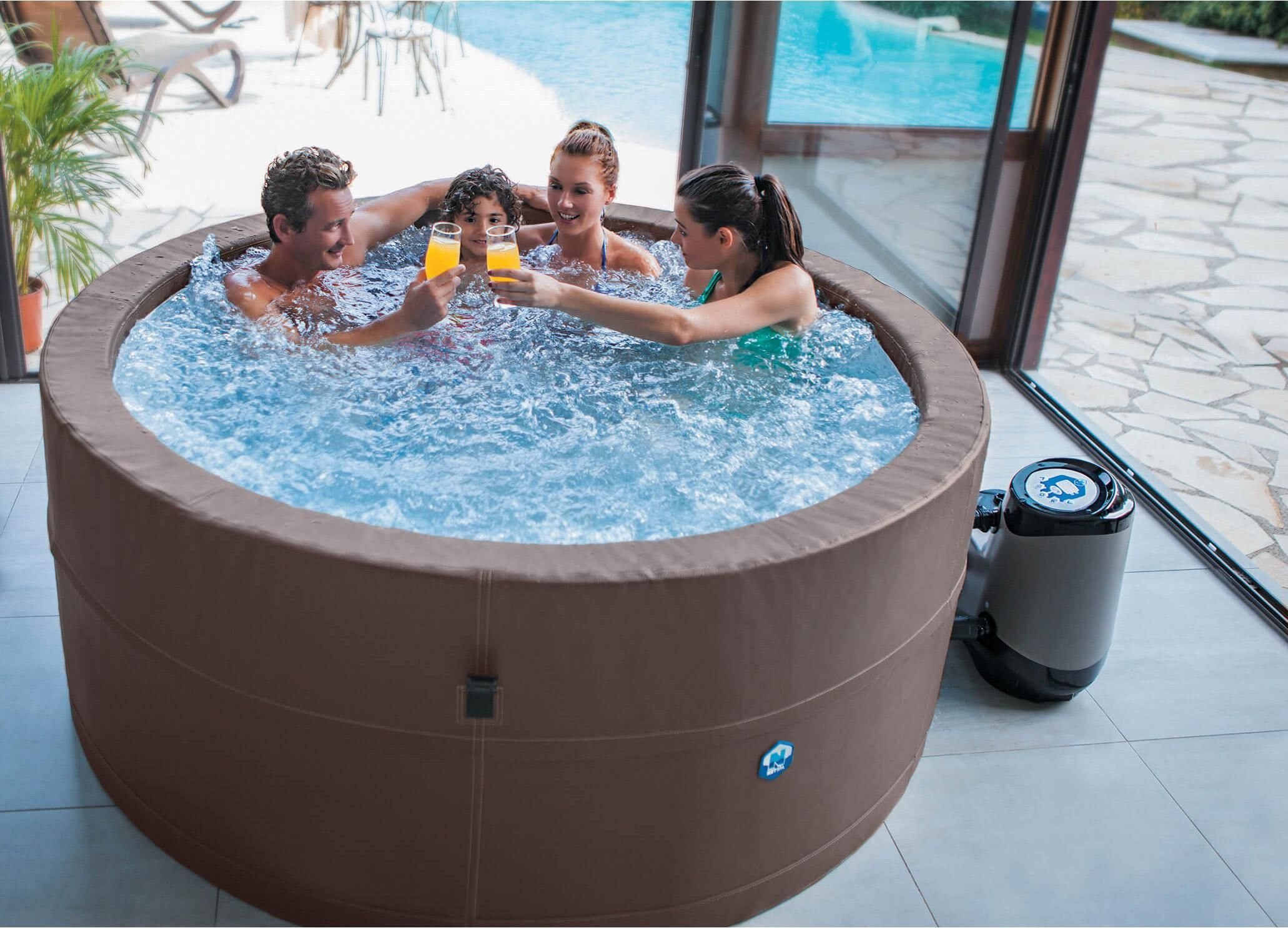 Portable 6 Seater Spa With Insulating Cover And Ne Floor Mat En