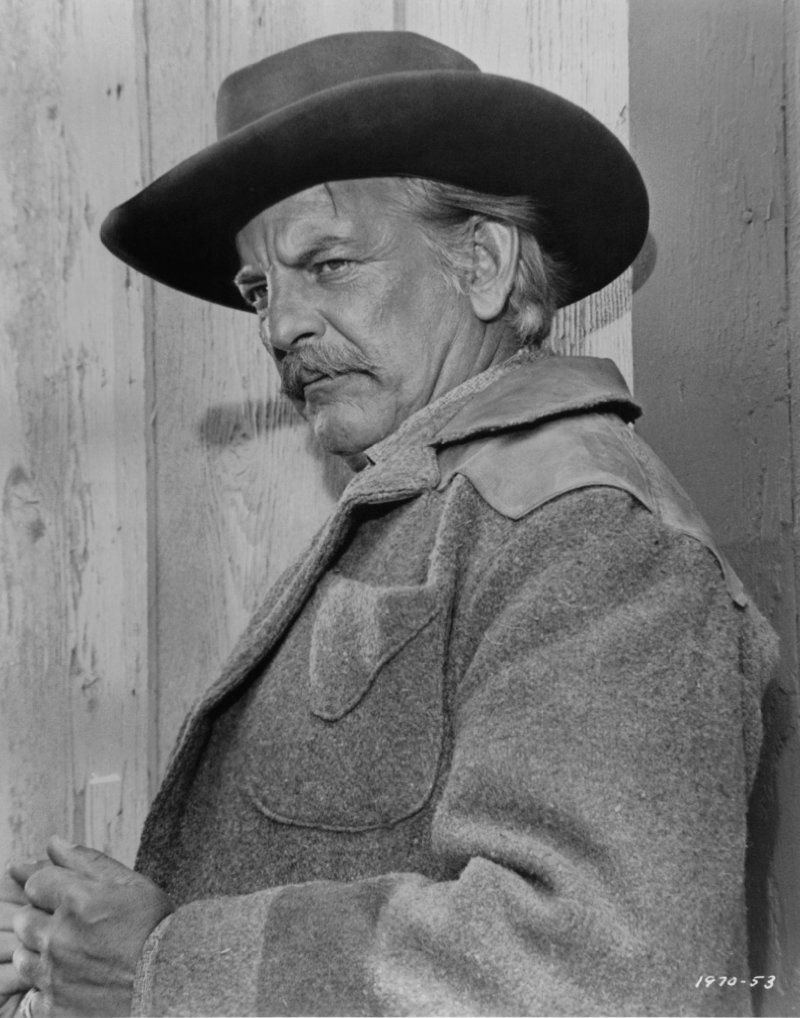 Denver pyle played uncle jesse in the original dukes of