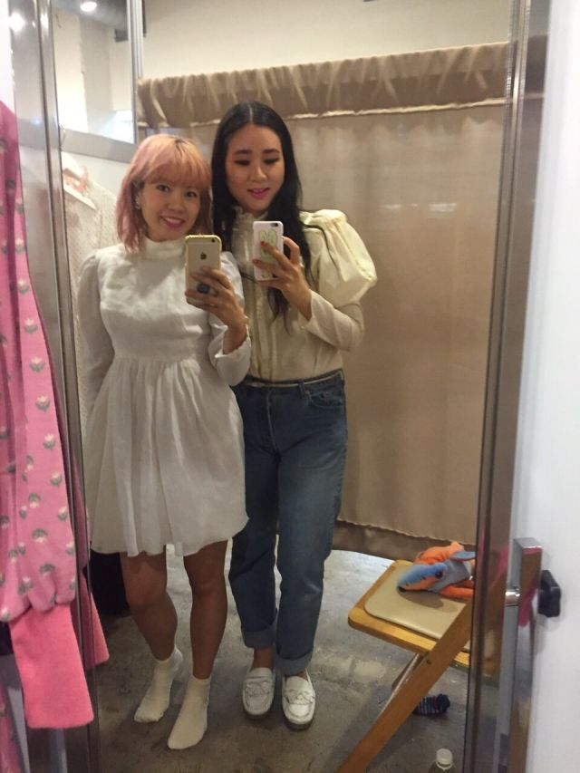 I had a super great time with @erikaabe at the fantastic vintage  show @acurrentaffair ???? was so happy to see @the_corner_store romantic beautiful dresses in real life! I fell in love with so many pieces! the vendors at #acurrentaffair have such a good eye! save your pretty pennies and go to the next one if you can!