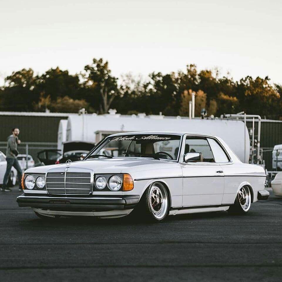 Mercedes Benz W124 Coupe Mobil Evolusi