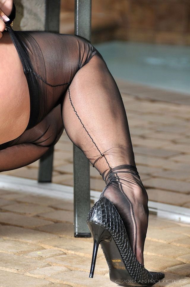 Pin By Shoiter On Stockings Seamed Nylon Stockings