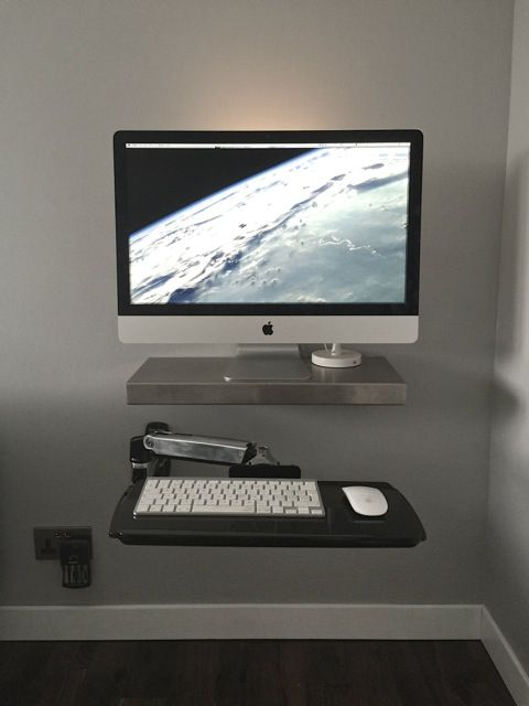 Mac Setup A Gorgeously Minimalist Apple Household Imac Imac Desk Imac Desk Setup