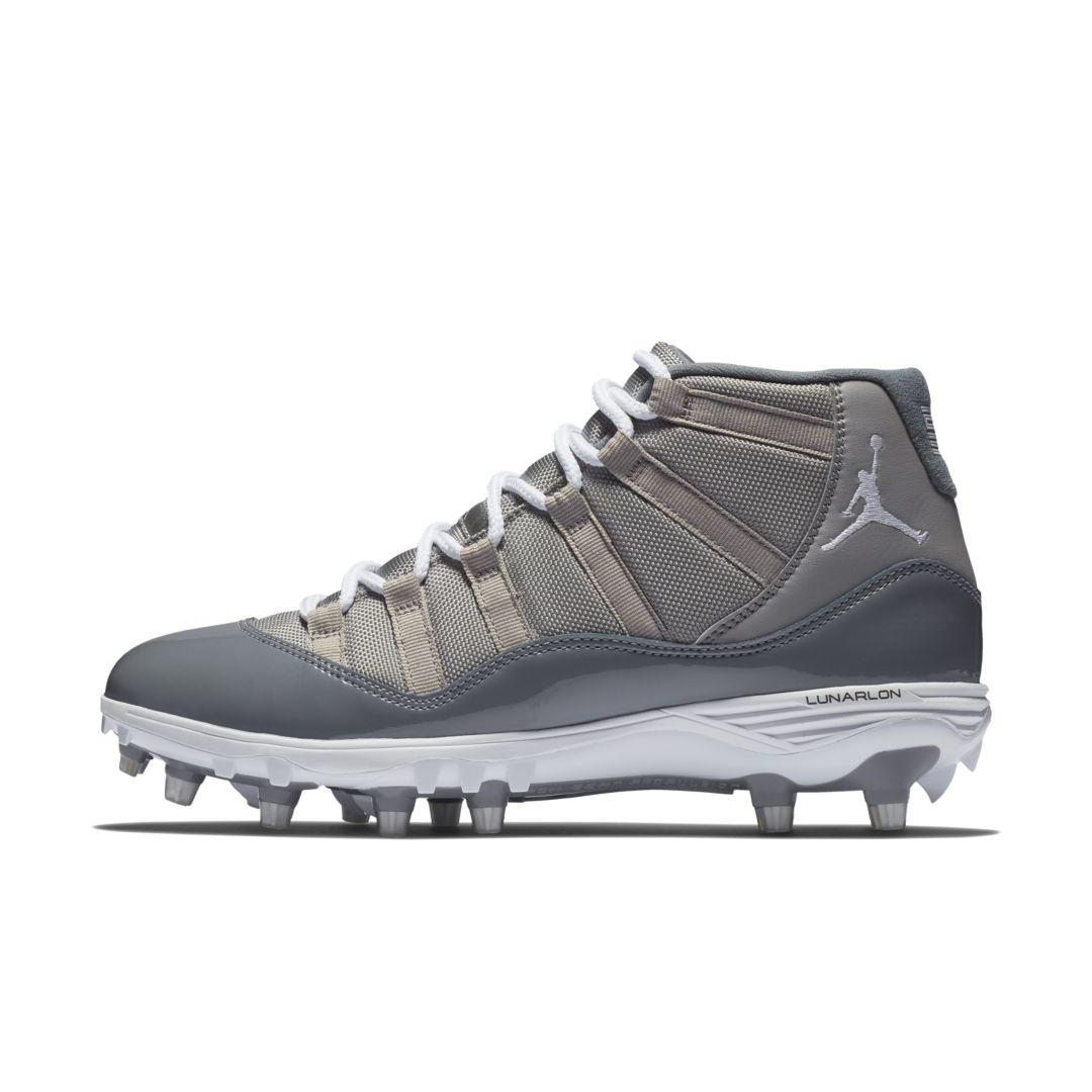 9c3959e6b Jordan XI Retro TD Men s Football Cleat Size 8 (Medium Grey)