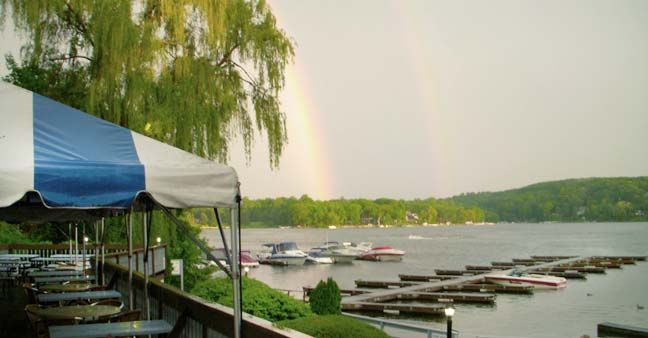 Down The Hatch Restaurant On Candlewood Lake Brookfield Ct Casual Outdoor Menu Kids Can Feed Ducks