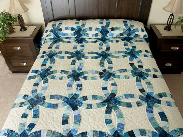 Double Wedding Ring Quilt -- exquisite smartly made Amish Quilts ...