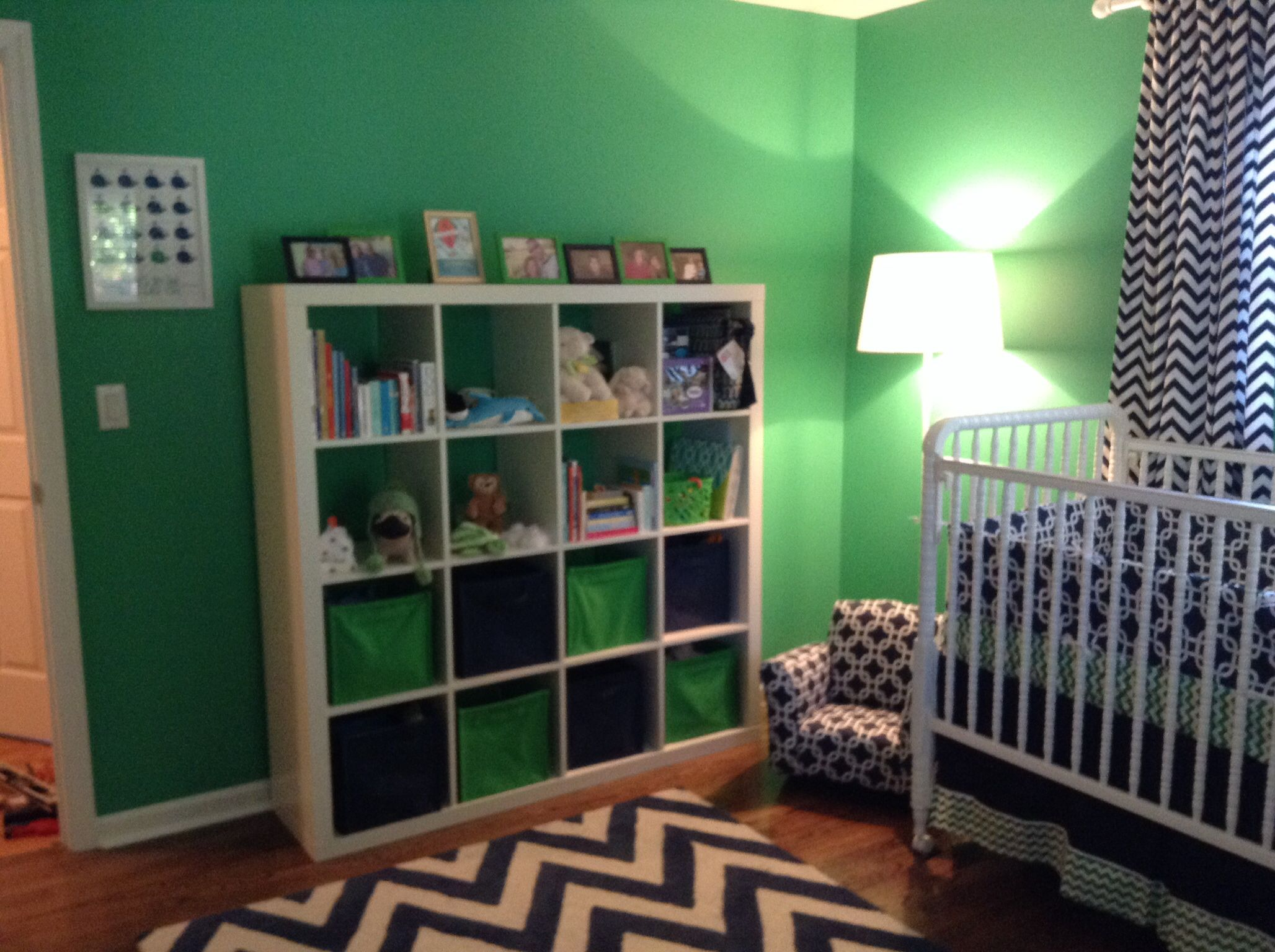 Whale of a Tale Nursery. Navy and Kelly Green bookcase, rug and ...
