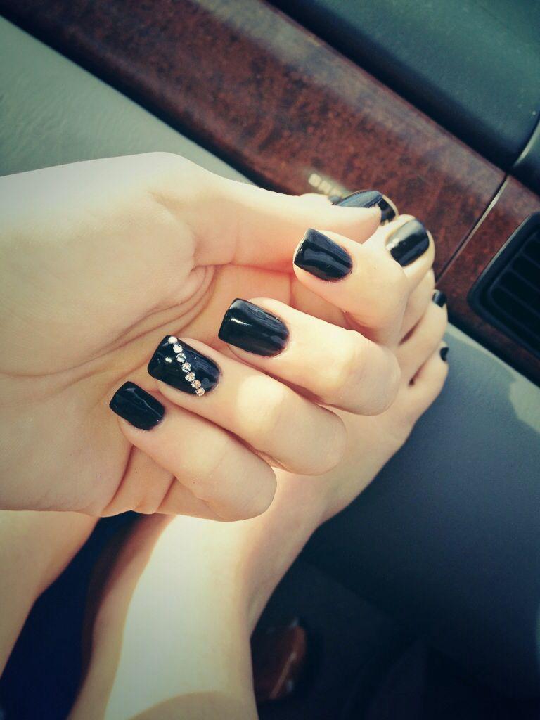 Black acrylic nails with diagonal rhinestones | Nails | Pinterest