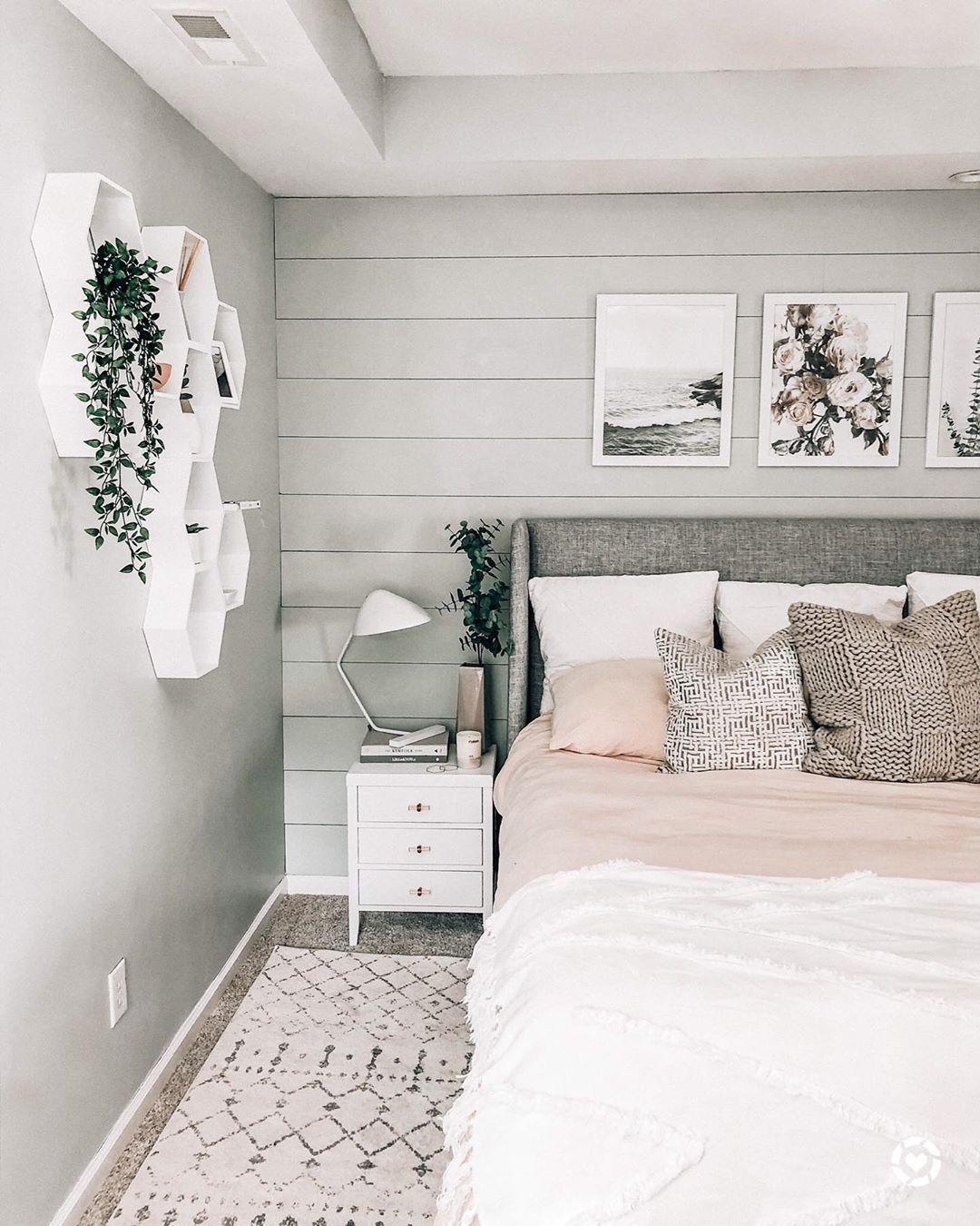 light airy bedroom decor @prettyinthepines  Airy bedroom, Bedroom