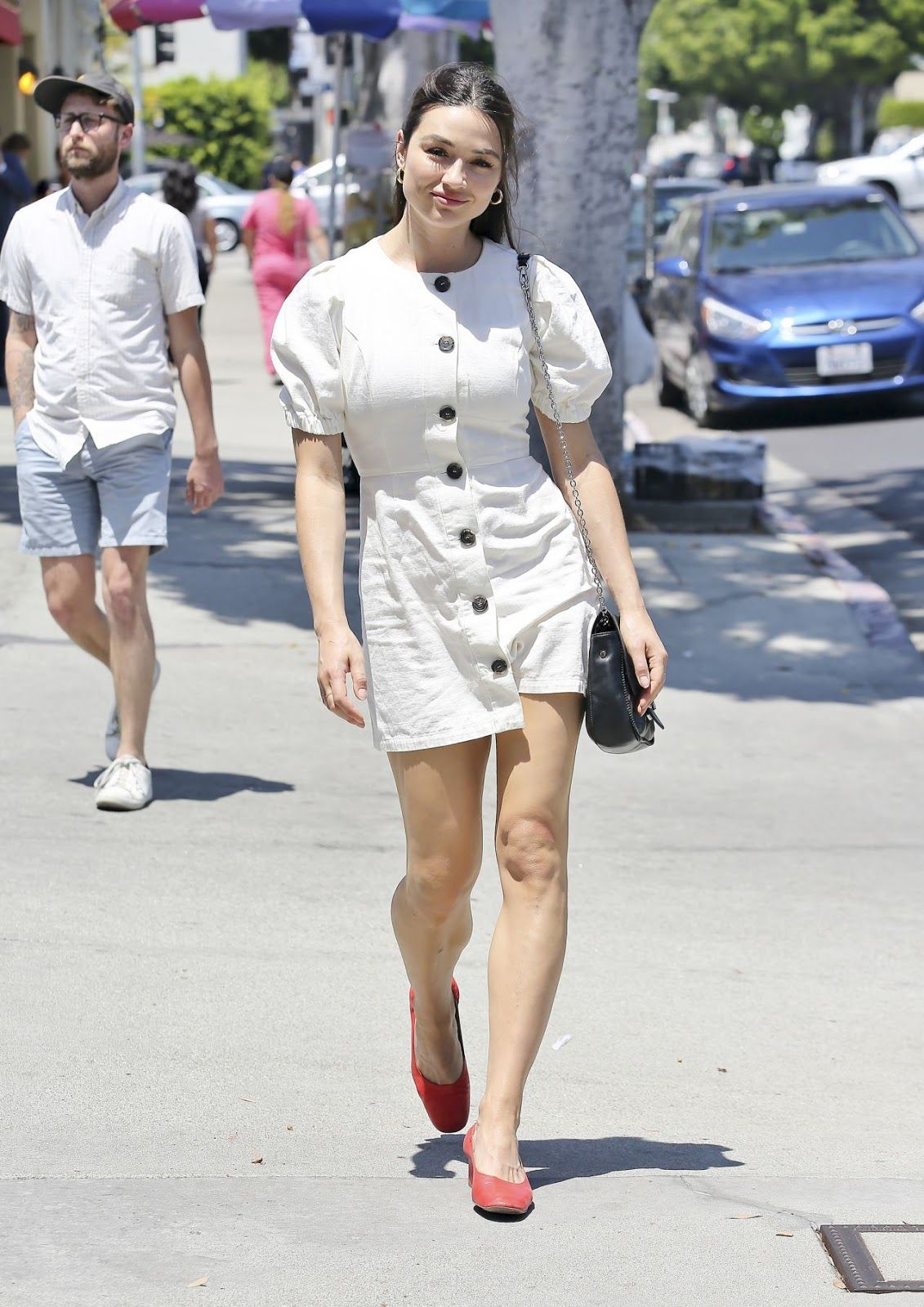 Crystal Reed Shopping In La  Crystal Reed Crystal