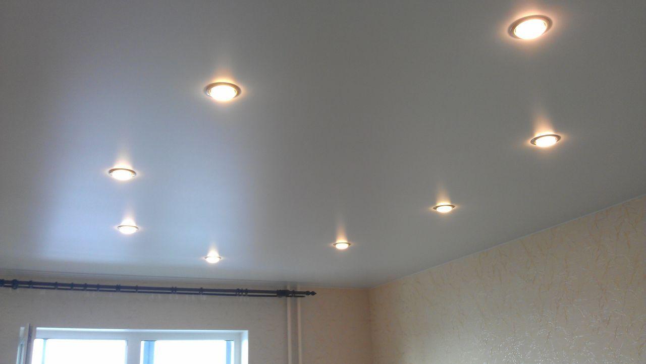 проявил интерес размещение лампочек на натяжном потолке фото наверняка догадываются, что
