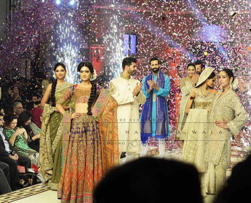 Mehndi S For Wedding Dance : Wedding photography by idrees naghina wala