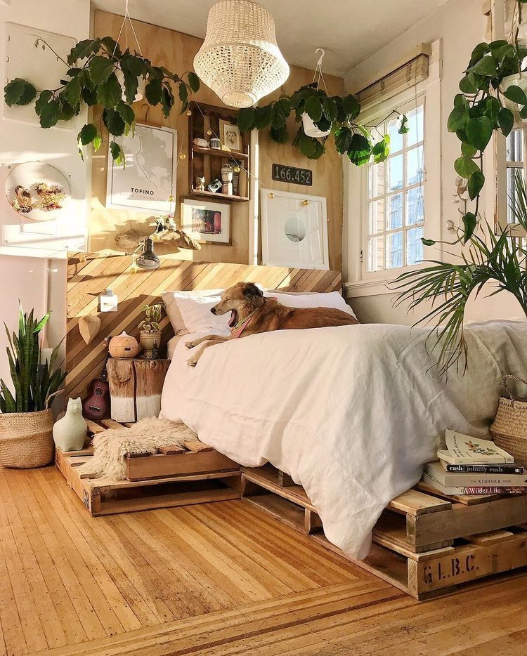 Best Ways To Redecorate With Green: Bedroom Interior, Small Bedroom