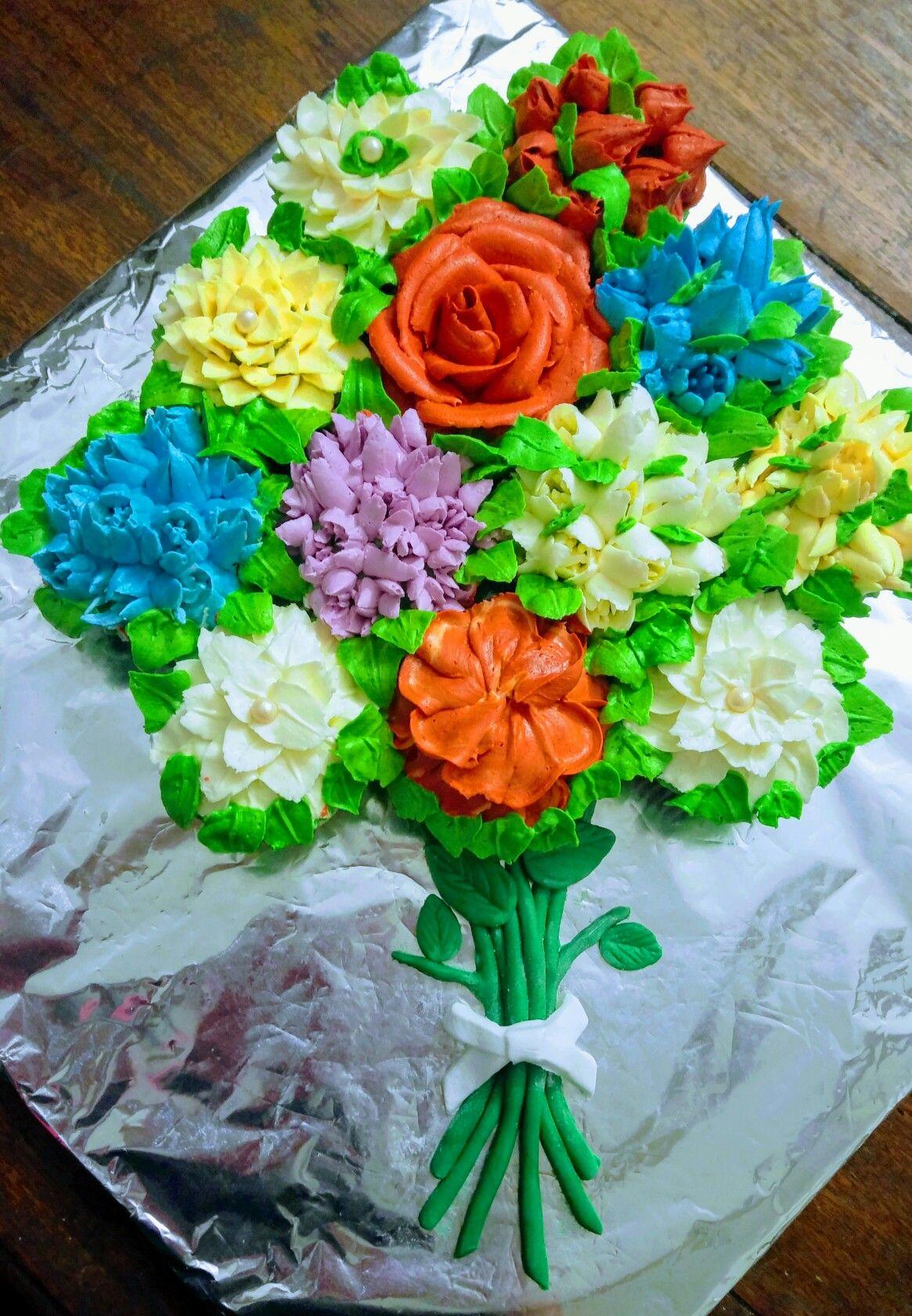 Buttercream flower cupcake bouquet snowberrys themed cupcakes buttercream flower cupcake bouquet izmirmasajfo