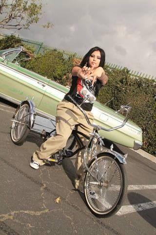Lowrider mollige Latina-Frauen — 9