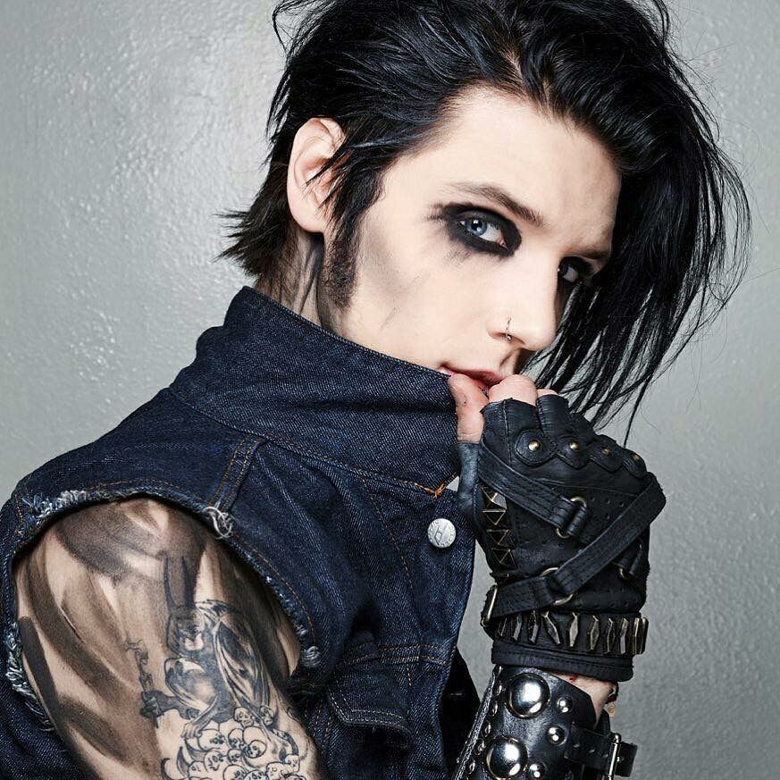 Mens Rock N Roll Hairstyle Oml Do They Know Thats Andy Biersack