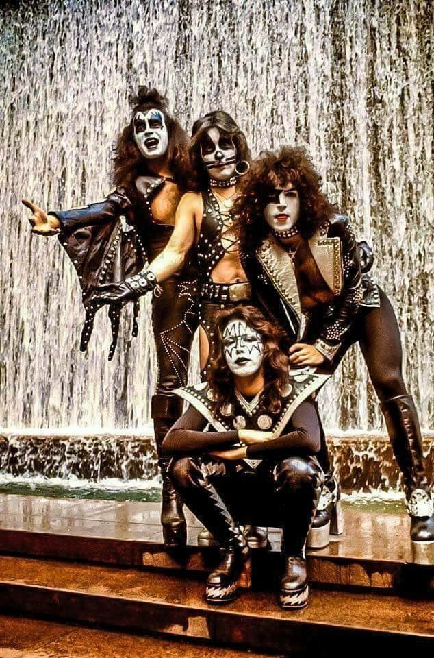 Gene Simmons, Peter Criss, Paul Stanley, Ace Frehley