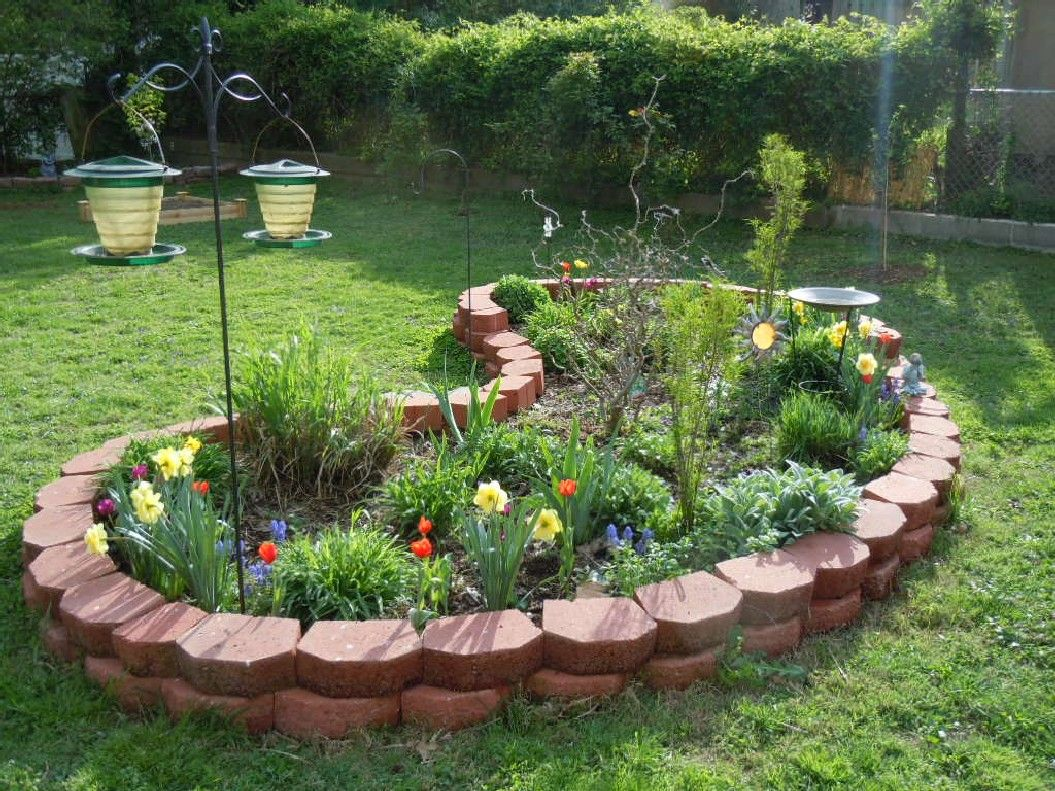 The Best 32 Amazing Beautiful Round Raised Garden Bed Ideas That You Can Make In A Weekend Https Usdecoratin Stone Flower Beds Garden Beds Raised Garden Beds