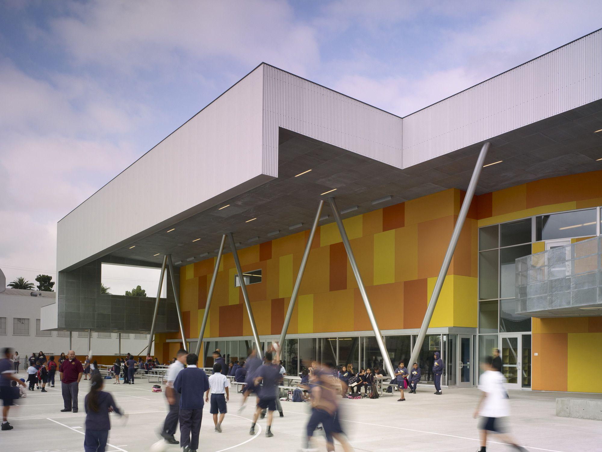Colegio St. Thomas the Apostle / Griffin Enright Architects