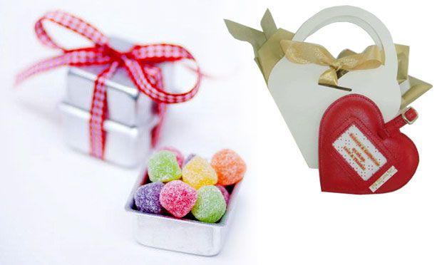 """Lembrancinhas de casamento - """"quentinha"""" de doces ou caixinha de coração com jujubas"""