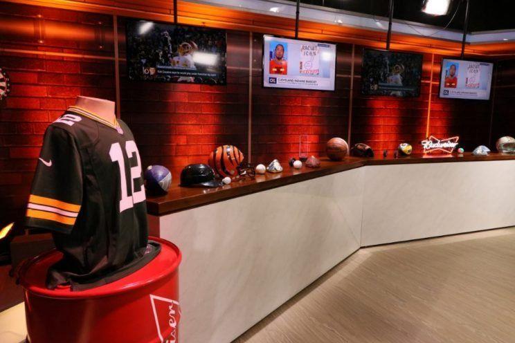 """Em ascensão, esportes americanos ganham """"mesa de bar"""" na ESPN Brasil - http://anoticiadodia.com/em-ascensao-esportes-americanos-ganham-mesa-de-bar-na-espn-brasil/"""