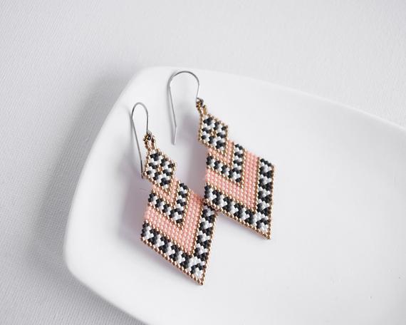 Pink geometric beaded earrings #beads