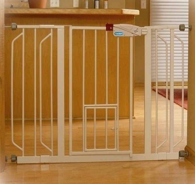 Carlson Extra Wide Walk Thru Gate With Pet Door   White   Great If