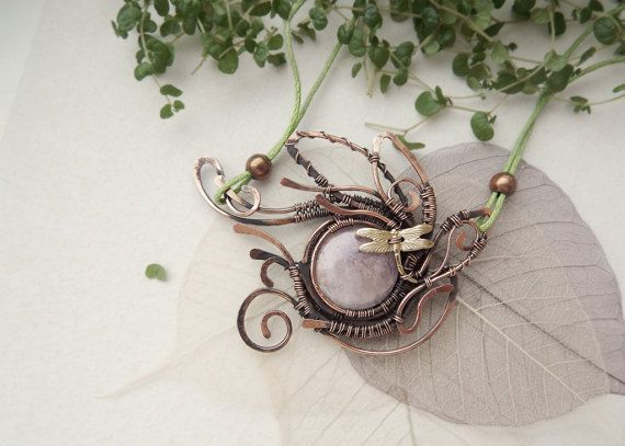 Rose quartz flower pendant with dragonfly, wire-wrappered necklace, floral style, Copper wire winding, Natural stone, Semi precious jewelry