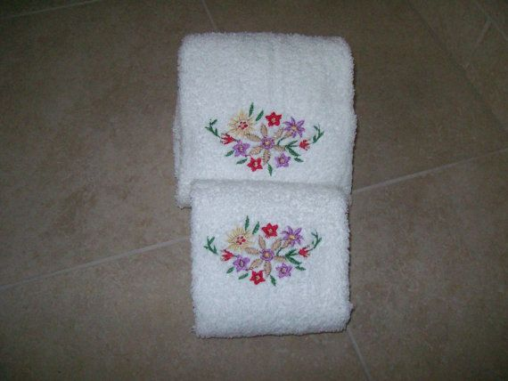 Sweet Set of 2 Towels  Embroidered Towels by VDonlinestore on Etsy, $14.00