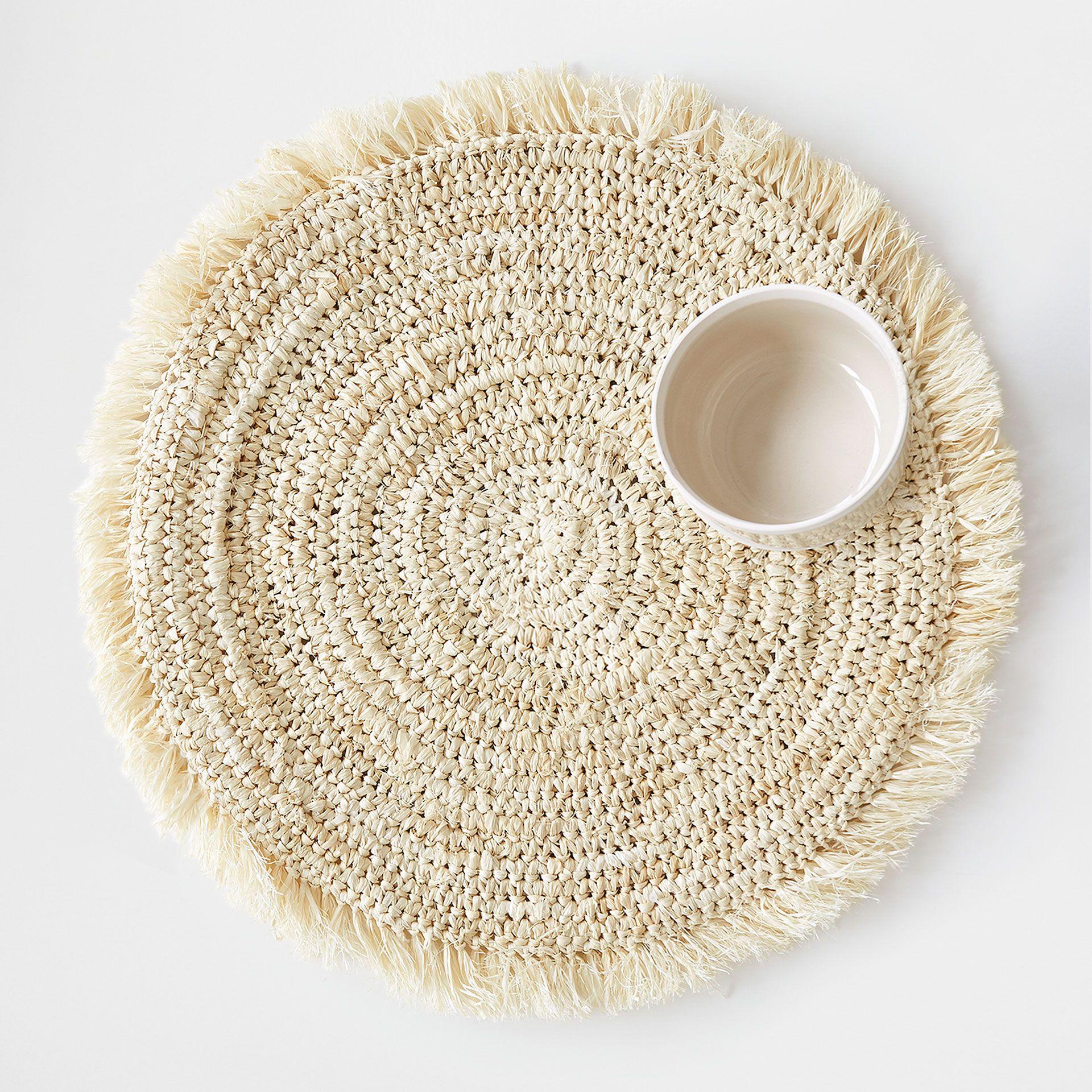 Image 1 Of The Product Natural Round Raffia Fringed Placemat Casa De Croche Mesa De Palha Descansos De Panela