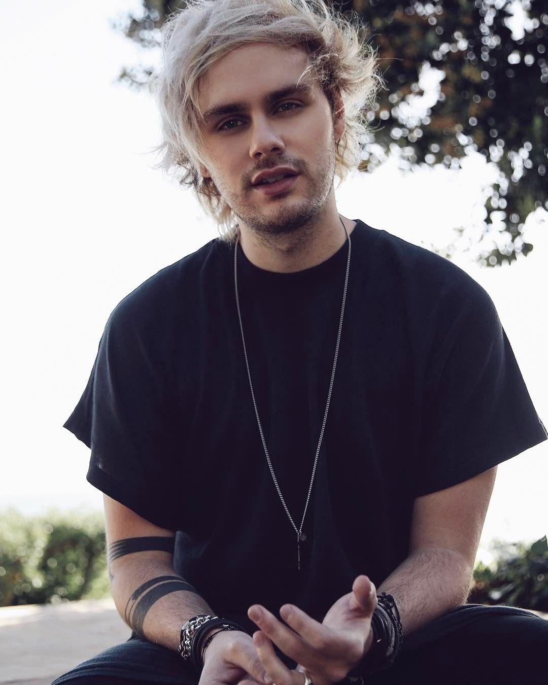Pin by Fay Siegel on 5sos in 2019 | Michael clifford, 5sos ...