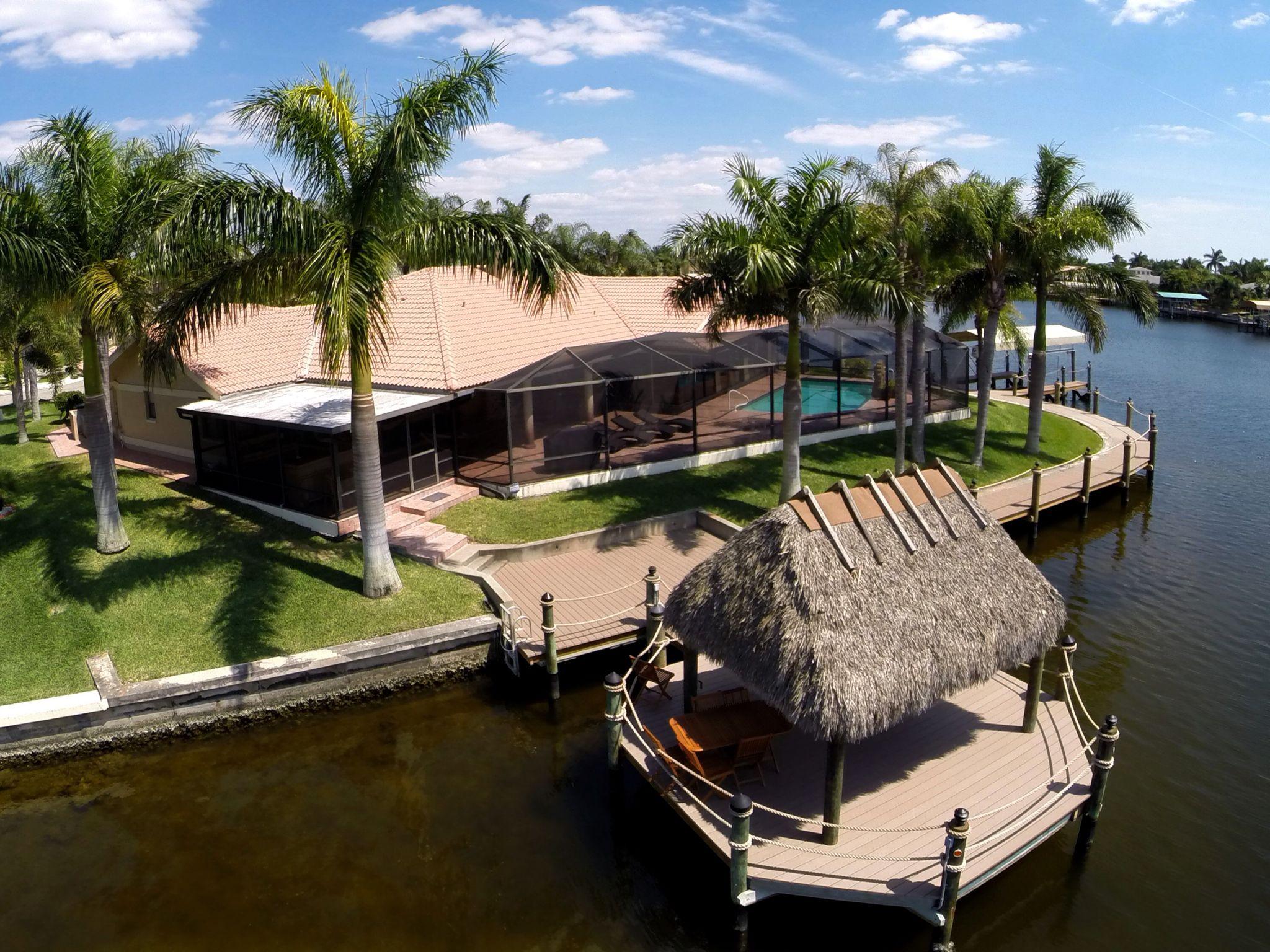 Villa Tiki Hut with palms (mit Bildern) Ferienhaus cape