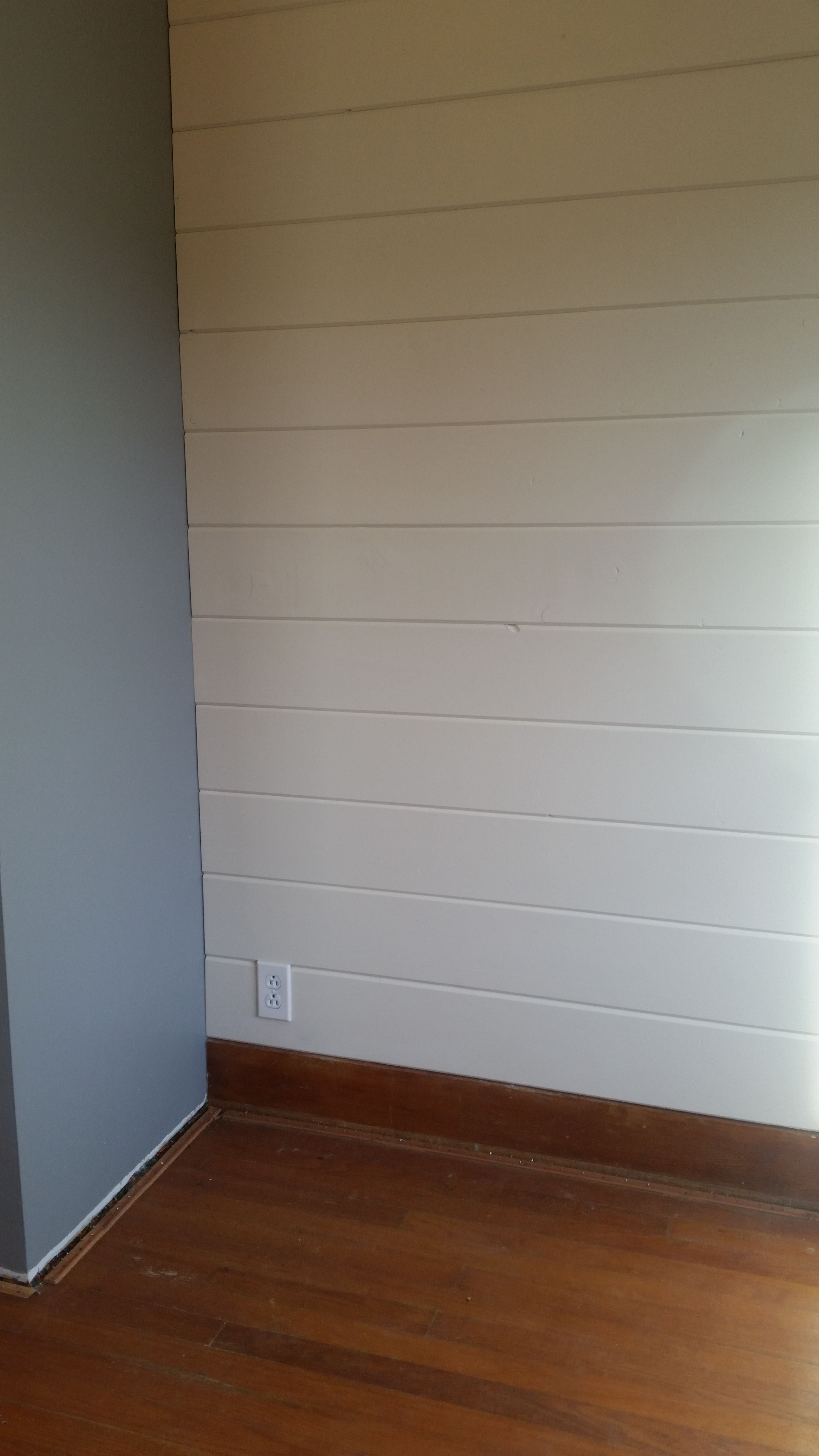Tongue Amp Groove Wood Wall Using 1 Quot X8 Quot Car Siding Painted