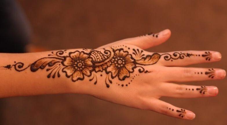 Paling Bagus 25 Gambar Tato Henna Tangan Gambar Tato Henna Di Tangan Seni Henna Sudah Dikenal Sejak 5000 Tahun Yang Lalu Tuto Di 2020 Henna Tato Henna Henna Tangan