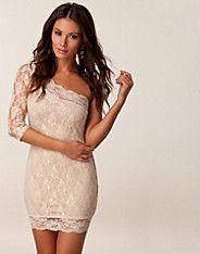 Lace One Sleeve Dress - Rare London - Nude - Festkjoler - Klær - NELLY.COM Mote online