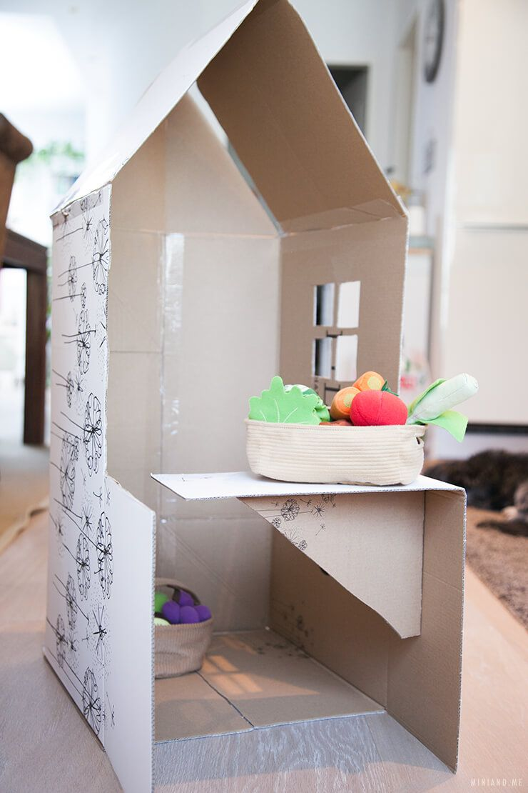 upcycling diy faltbares spielhaus und kaufladen aus einem einzelnen karton basteln. Black Bedroom Furniture Sets. Home Design Ideas