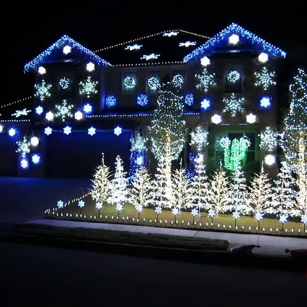 50 Spectacular Home Christmas Lights Displays 50