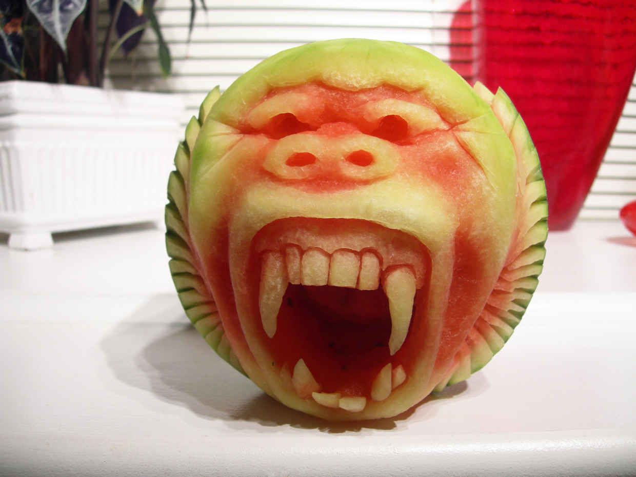The Most Incredible Sculptures Carved Out Of Watermelon Carved - Incredible sculptures carved watermelon