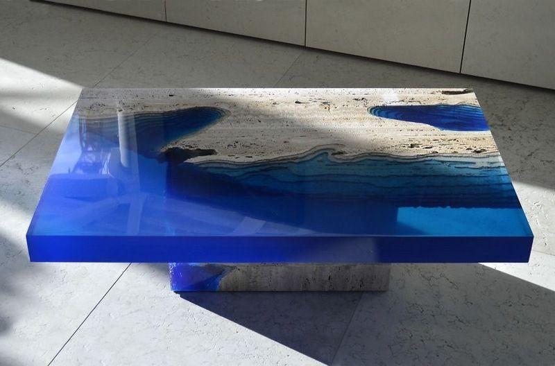 Tables Basses Design En Travertin Et Resine Bleue Les Lagoons Table Basse Design Table De Resine Decoration De Maison Asiatique