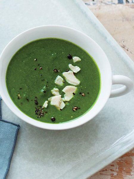 Recipe : ケール、ほうれん草、酒かすのスープ/昆布だしのほっとする和風テイスト