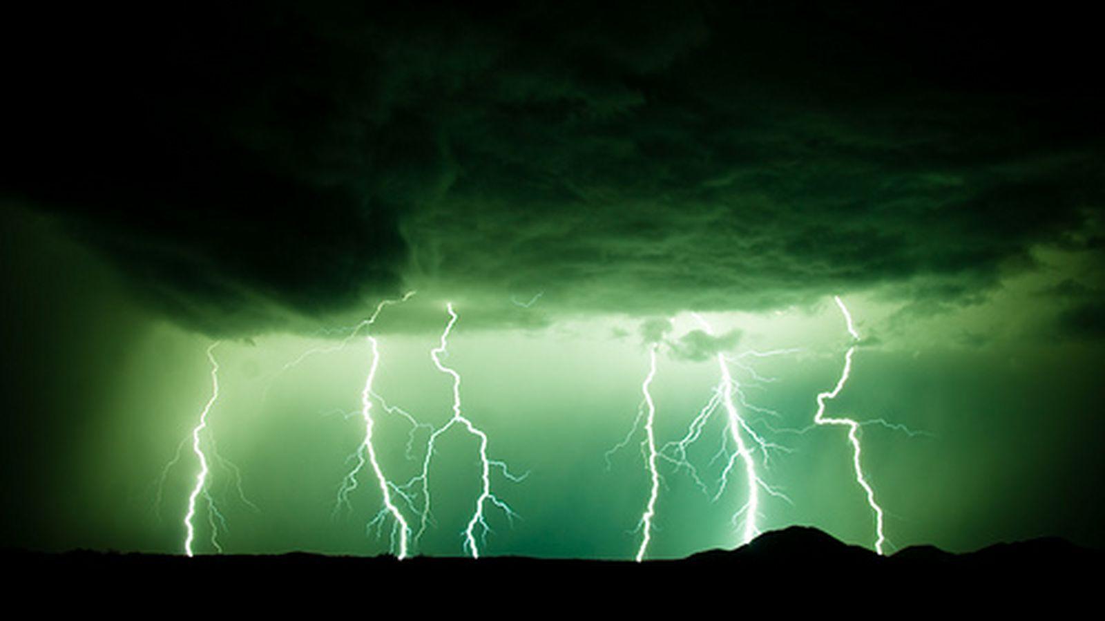 Se prima era solo un potente suono che giungeva alle nostre orecchie e che ci avvertiva dell'arrivo di un temporale, oggi il rombo del tuono è anche un'imm