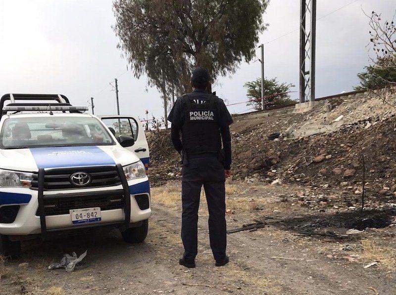 La Policía Municipal De San Juan Del Río Tomó Conocimiento Del Reporte De Un Hombre Que Murió Presuntamente Por Ahorcamiento Hombres San Juan Cuerpo