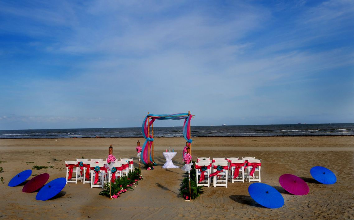 Find Galveston Beach House Wedding Venues , one of best Galveston ...