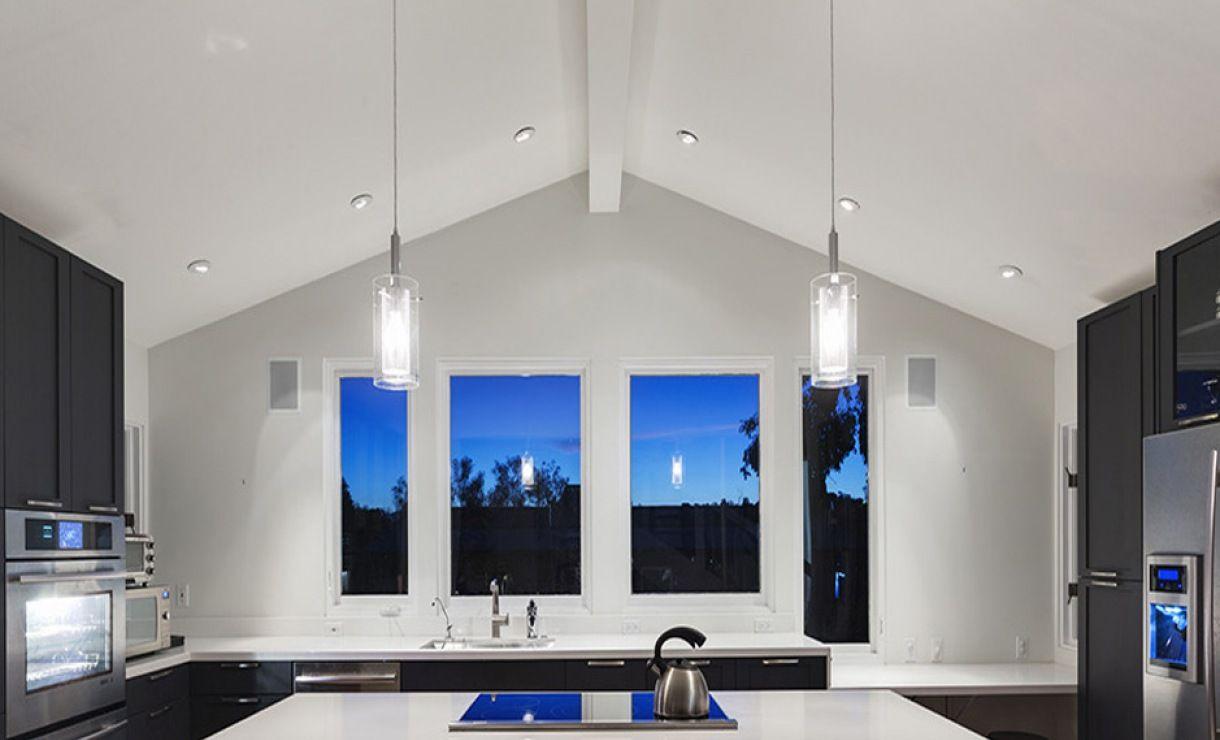 Plafond tendu à froid réalisé au sein d\'une cuisine. #plafond #déco ...