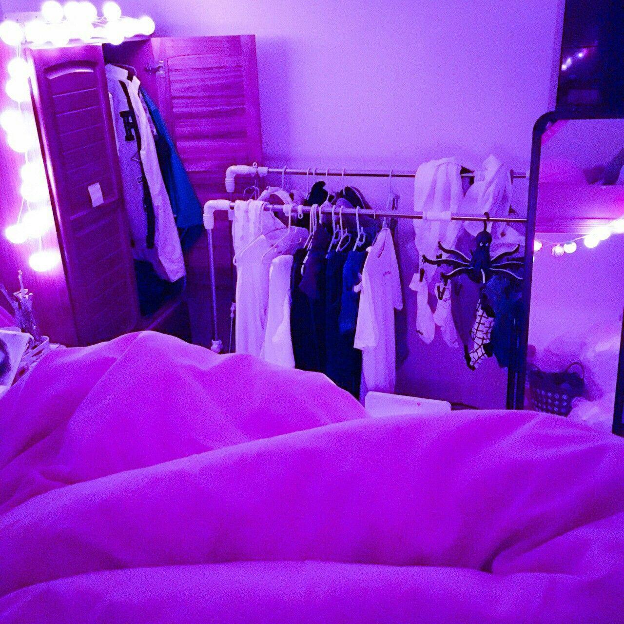 Vaporwave Room: warm glow // light // photography // cool ...